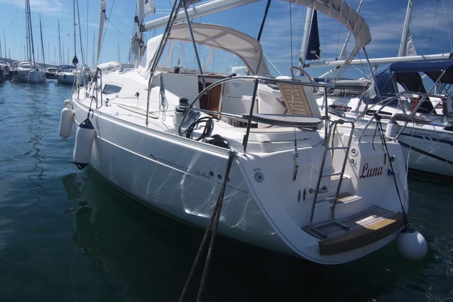 Elan 344 Impression - Luna. Garant Charter, Marina Punat